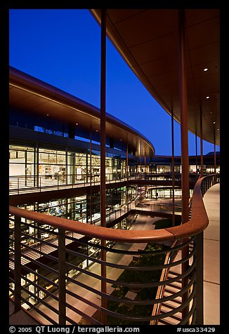 James Clark Center, home to Stanford's Bio-X program, dusk. Stanford University, California, USA (color)