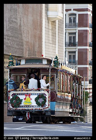 Cable-car. San Francisco, California, USA (color)