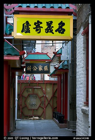 Narrow alley in Chinatown. San Francisco, California, USA (color)