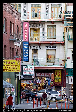 Waverley Alley and street in Chinatown. San Francisco, California, USA