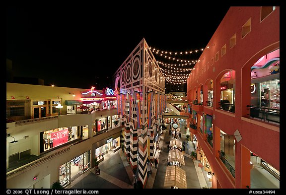 Westfield Shoppingtown Horton Plaza, designed by Jon Jerde. San Diego, California, USA (color)