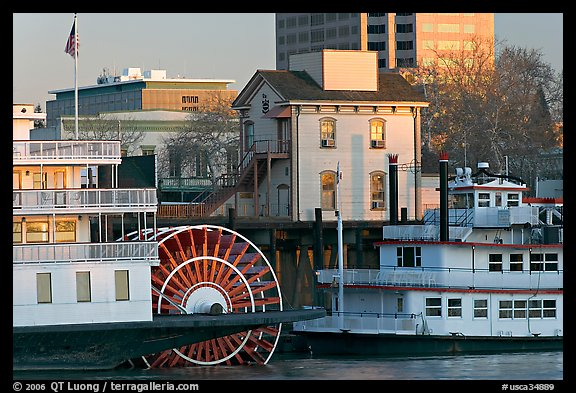 Riverboats Delta King and Spirit of Sacramento, modern and old buildings. Sacramento, California, USA