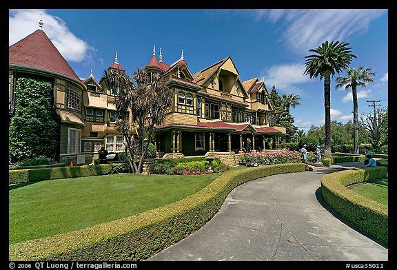 Gardens And Facade. Winchester Mystery House, San Jose, California, USA