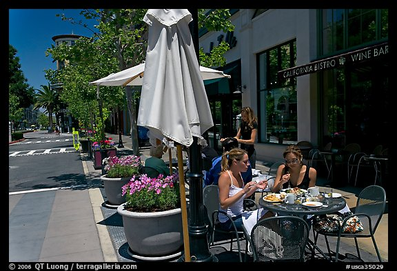 Street and outdoor restaurant tables. Santana Row, San Jose, California, USA