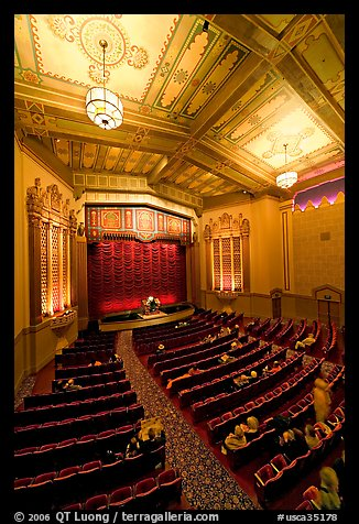 Picture photo stanford theater in art deco style palo for Art deco cinema interior