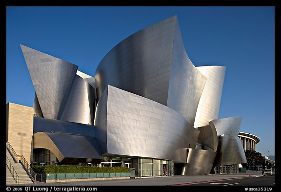 Walt Disney Concert Hall, early morning. Los Angeles, California, USA (color)