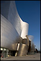 Free-form sculptural curves of the Walt Disney Concert Hall, early morning. Los Angeles, California, USA