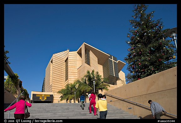 Families climbing stairs towards Cathedral of our Lady of the Angels. Los Angeles, California, USA (color)