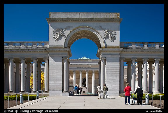 Entrance of  Palace of the Legion of Honor museum with visitors. San Francisco, California, USA