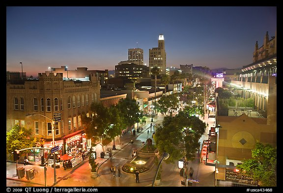 View from above of Third Street Promenade at dusk. Santa Monica, Los Angeles, California, USA