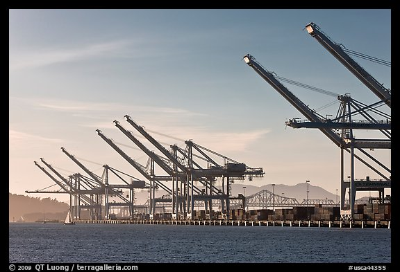 Port of Oakland. Oakland, California, USA (color)