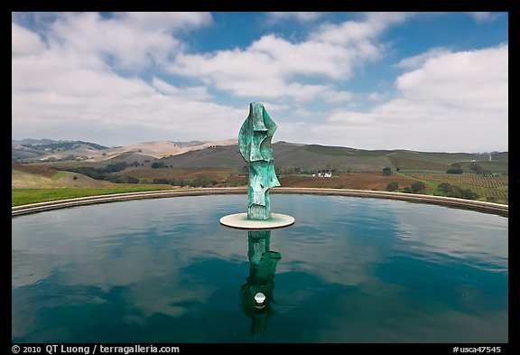 Reflecting pool and sculpture, Artesa Winery. Napa Valley, California, USA