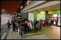 Line outside store on Black Friday. San Jose, California, USA ( color)