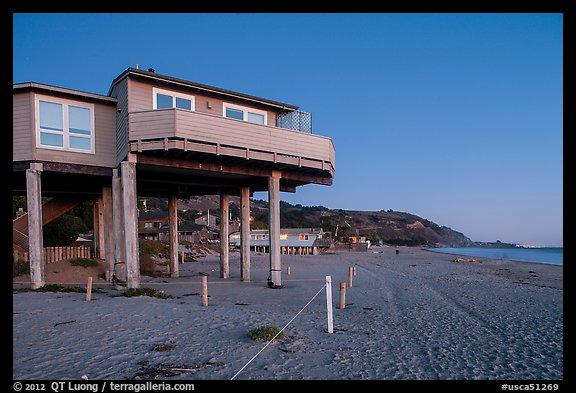 Picture Photo Beach House With High Stilts Stinson Beach California Usa