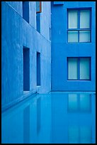Blue walls and reflecting tool, Schwab Residential Center. Stanford University, California, USA ( color)