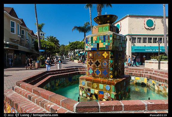 Fountain, Avalon Bay, Santa Catalina Island. California, USA (color)