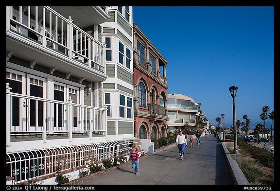 Beachfront promenade, Manhattan Beach. Los Angeles, California, USA (color)