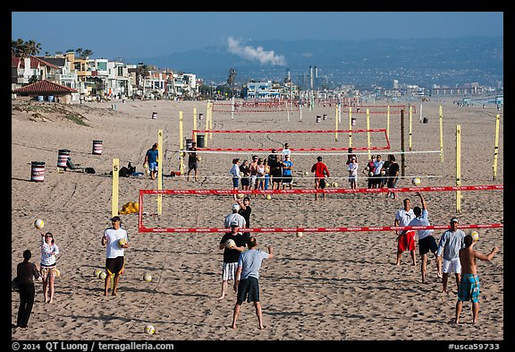 Beach Volleyball class, Manhattan Beach. Los Angeles, California, USA (color)