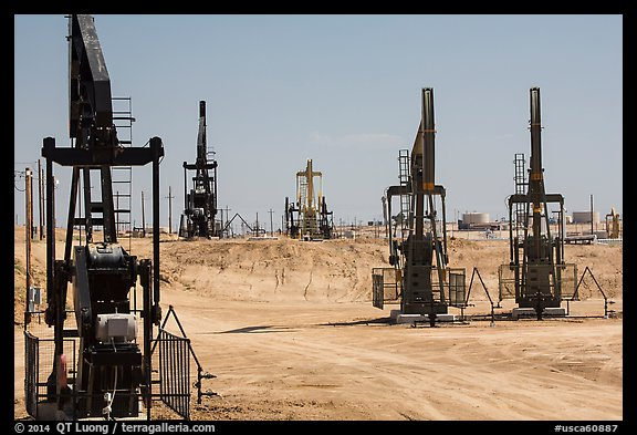 Pumpjacks, oil field, Bakersfied. California, USA (color)