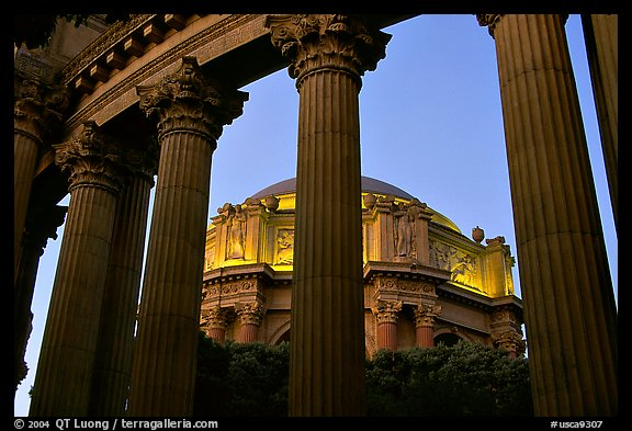Rotunda seen through peristyle,  the Palace of Fine arts, dusk. San Francisco, California, USA (color)