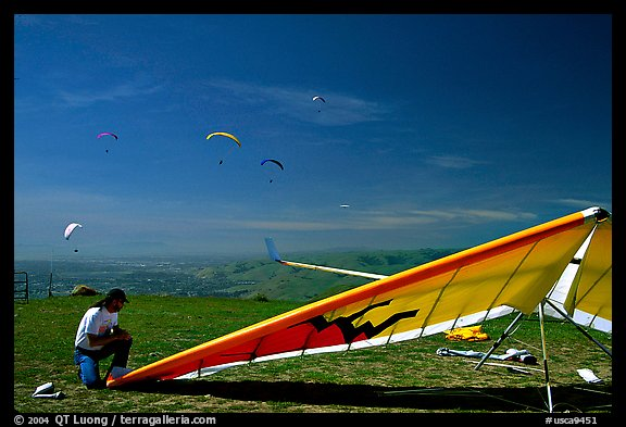 Hand-glider,  Mission Peak Regional Park. California, USA