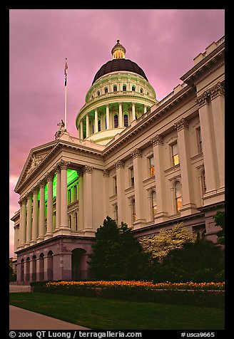 State capitol, dusk. Sacramento, California, USA (color)