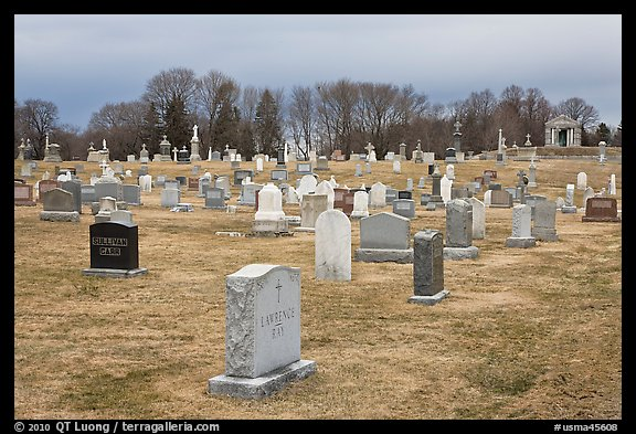 Cemetery in winter. Salem, Massachussets, USA (color)