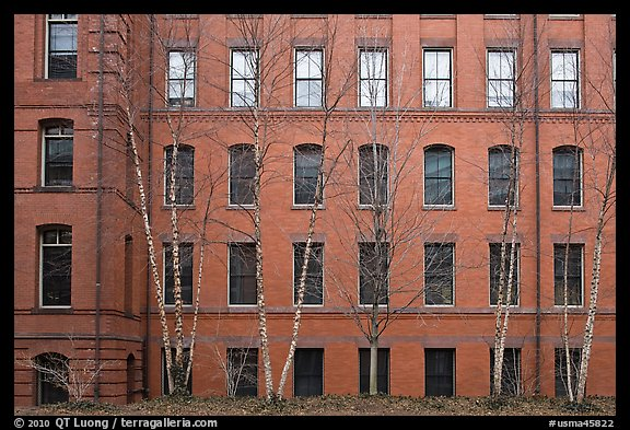 Picture photo facade of brick building harvard for Brick facade house