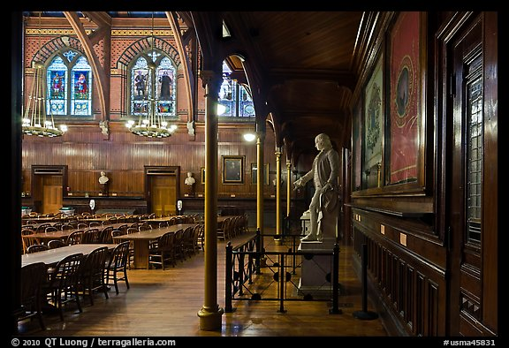 Annenberg Hall, Memorial Hall, Harvard University, Cambridge. Boston, Massachussets, USA (color)
