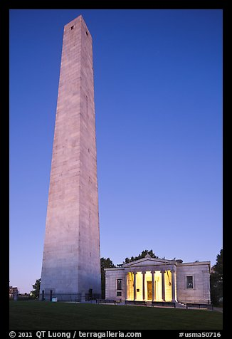 Bunker Hill Monument and exhibit lodge at dawn, Charlestown. Boston, Massachussets, USA (color)