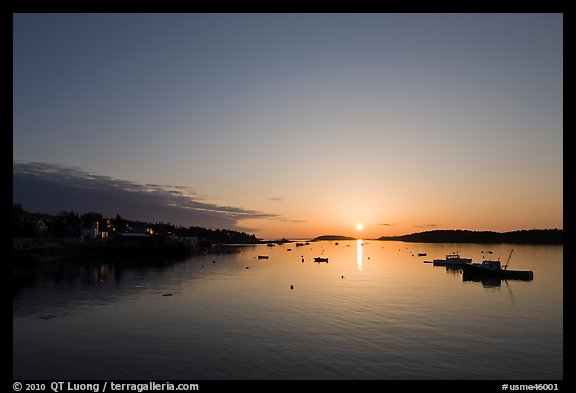 Sunrise. Stonington, Maine, USA (color)