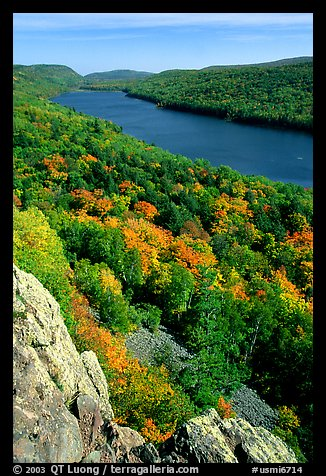 Lake of the Clouds and early fall colors, Porcupine Mountains State Park. Upper Michigan Peninsula, USA (color)
