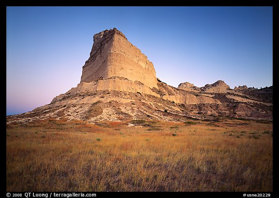 Scotts Bluff at sunrise. Scotts Bluff National Monument. Nebraska, USA (color)