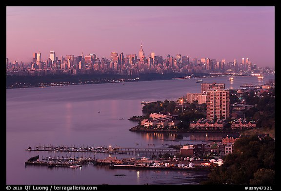 Manhattan seen from Fort Lee, New Jersey, sunrise. NYC, New York, USA (color)