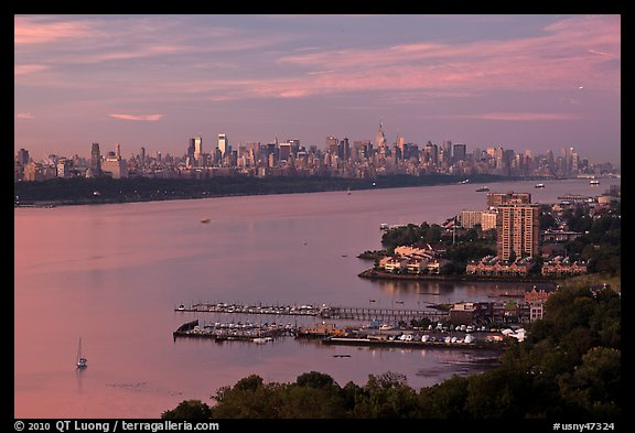 Hudson River, Fort Lee, and Manhattan. NYC, New York, USA (color)