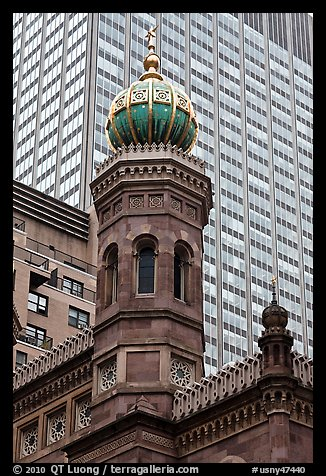 Central synagogue dome. NYC, New York, USA (color)
