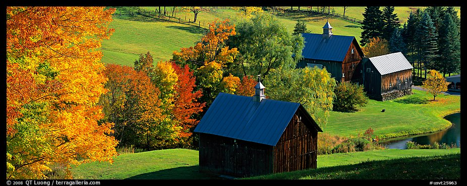 Pastoral barn scenery in autumn. Vermont, New England, USA (color)