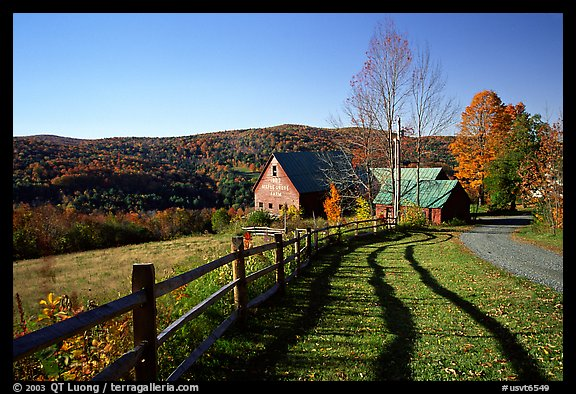 Fence and barn. Vermont, New England, USA (color)