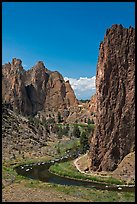 Bend of the Crooked River and Morning Glory Wall. Smith Rock State Park, Oregon, USA (color)