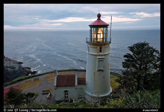 Heceta Head light and ocean,. Oregon, USA