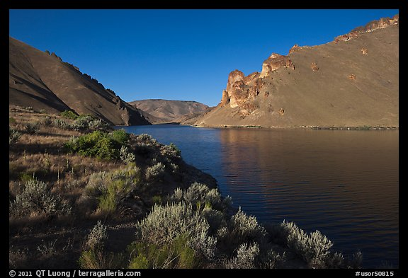 Lake Owyhee at Leslie Gulch. Oregon, USA (color)
