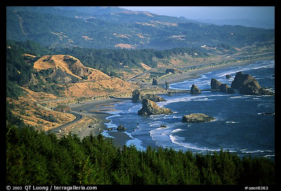 Coastline with highway and seastacks, Pistol River State Park. Oregon, USA