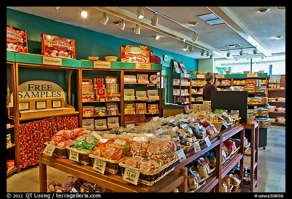 Fruit confectionery, Liberty Orchards store, Cashmere. Washington (color)