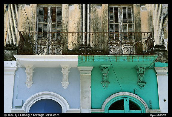 Detail of facade, Ponce. Puerto Rico (color)