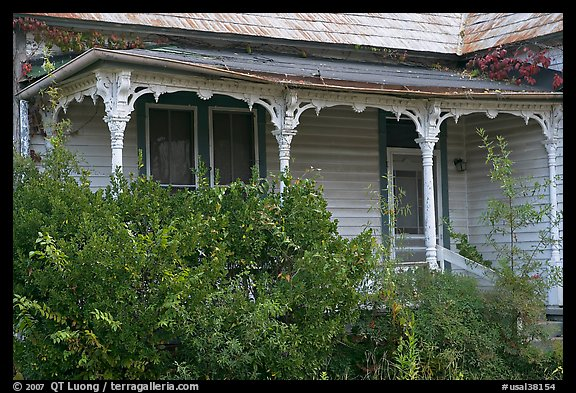 House with crooked porch. Selma, Alabama, USA (color)
