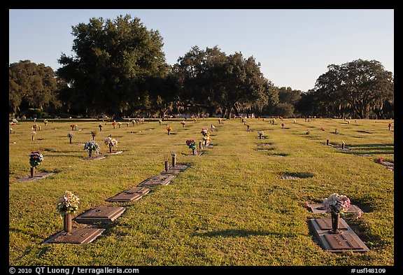 Cemetery. Orlando, Florida, USA (color)