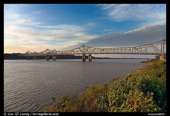 Brige of the Mississippi River, early morning. Natchez, Mississippi, USA (color)