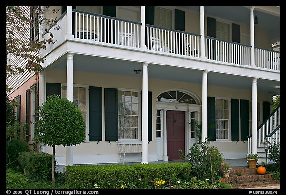 Griffith-McComas house. Natchez, Mississippi, USA (color)