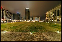 Bicentenial Park and old courthouse by night. Nashville, Tennessee, USA