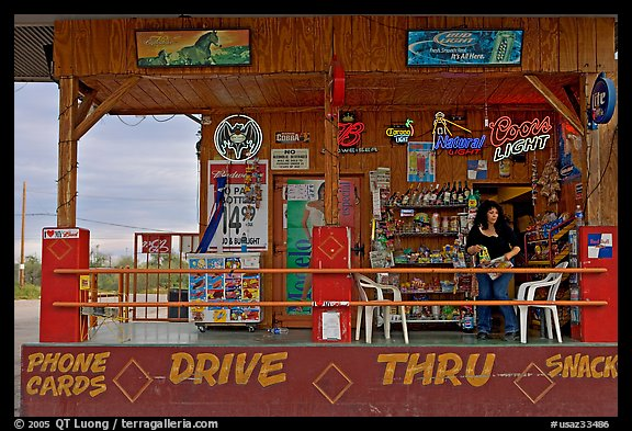 Bonnie's drive-through convenience store. Arizona, USA (color)